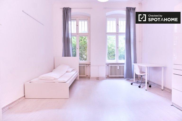 Big room for rent in Halensee, Berlin