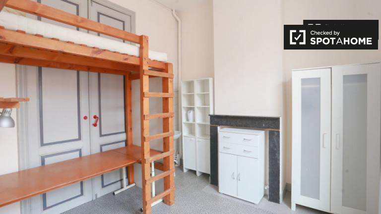 Chambre décorée dans un appartement à Saint-Gilles, Bruxelles