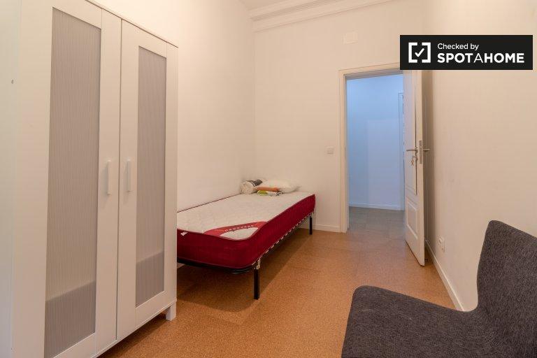 Habitación en apartamento de 9 habitaciones en Avenidas Novas, Lisboa