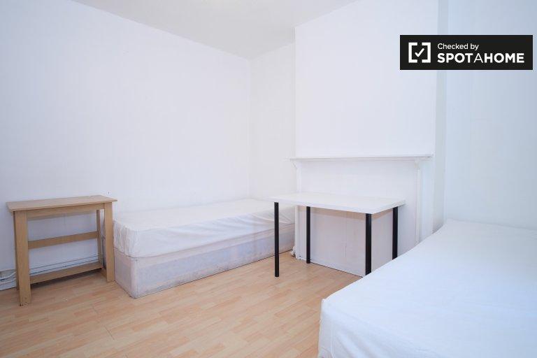 Quarto com 2 camas individuais em apartamentos de 5 quartos - Tower Hamlets