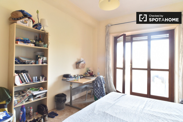 Single room in apartment in San Paolo, Rome