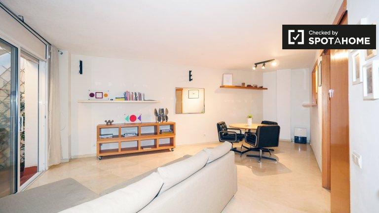 Big 1-bedroom apartment for rent in l'Eixample Dreta