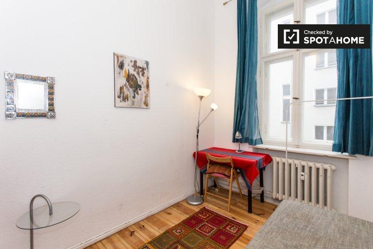 Room for rent in apartment with 2 bedrooms in Schöneberg