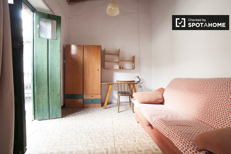 Double Bed in Rooms for rent in a charming 2-bedroom house in San Luis