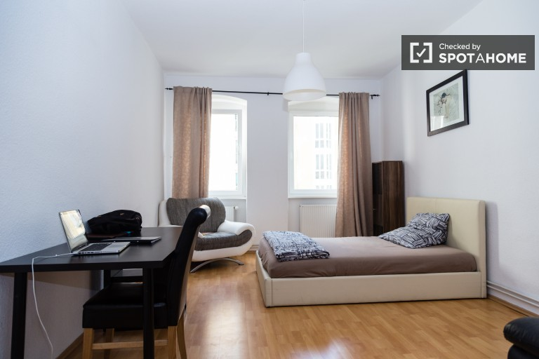 Spacious 1 Bedroom Apartment For Rent   Mitte, Berlin