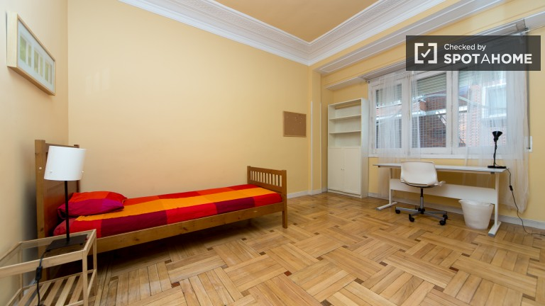 Bedroom 4 – Single room
