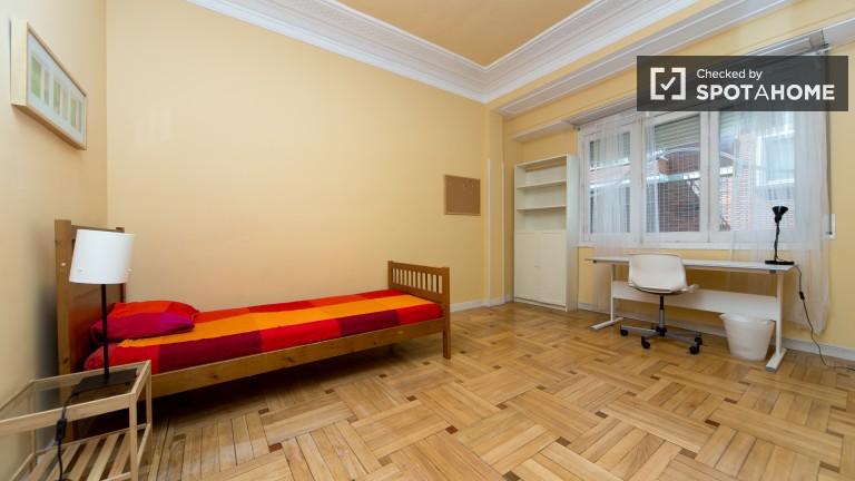 Bedroom 4 – Single room