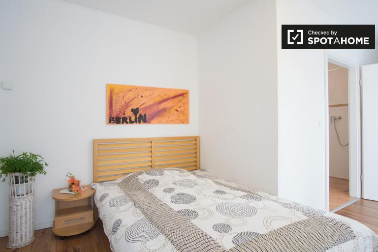 Umeblowany pokój w apartamencie z 3 sypialniami w Pankow, Berlin