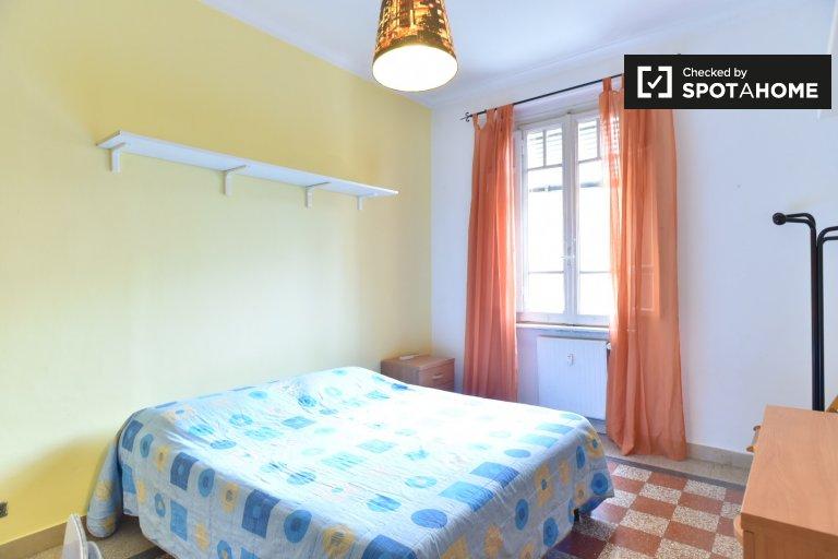 Jasny pokój w apartamencie z 3 sypialniami w San Giovanni w Rzymie
