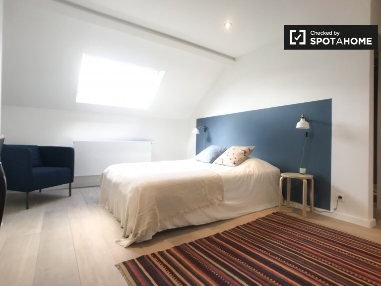 Ixelles, Brüksel 9 odalı evde rahat oda
