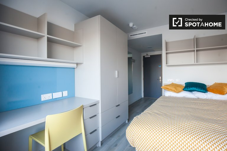 Cosy room to rent in residence hall in The Liberties, Dublin