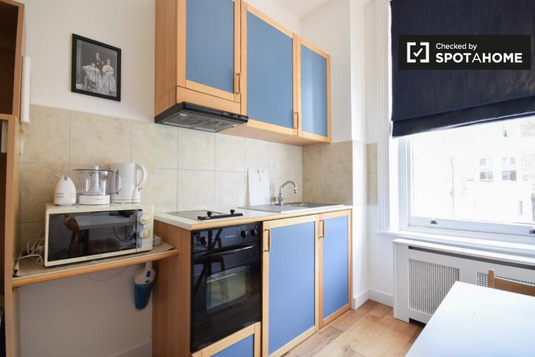 Umeblowane mieszkanie typu studio do wynajęcia w Earls Court, Londyn