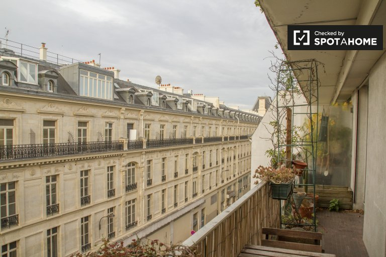 Stunning 1-bedroom apartment with terrace for rent in Paris 11, near metro