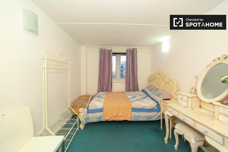 Gemütliches Zimmer zu vermieten, 4-Zimmer-Wohngemeinschaft, Wandsworth