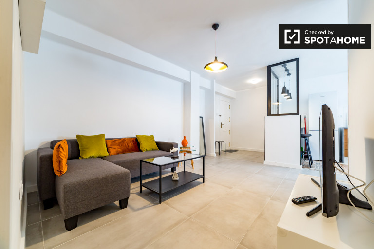 Modern 2-bedroom apartment for rent in Camins al Grao