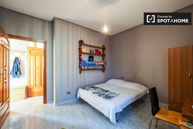 Chambre à louer dans un appartement de 2 chambres à Porta Romana, Milan