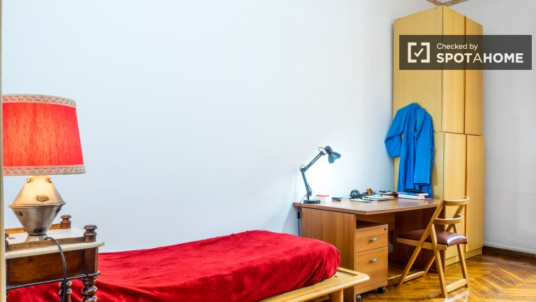 Bedroom 1 with single bed