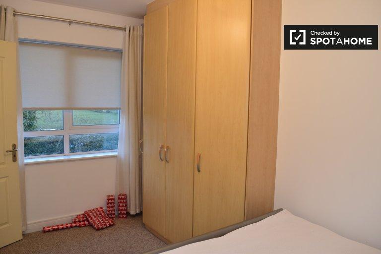 Room for rent in 3-bedroom houseshare in Swords, Dublin
