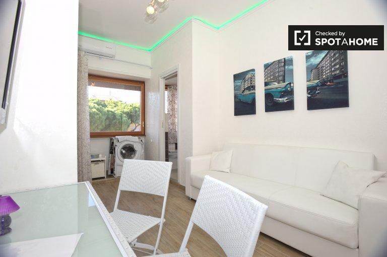 Apartamento de 1 quarto para alugar em Lido di Ostia, Roma