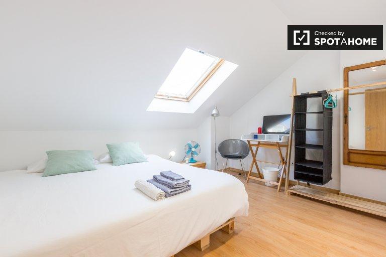 Przytulna sypialnia do wynajęcia w apartamencie z 2 sypialniami