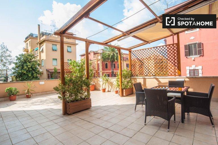 Schöne Split-Ebene Studio-Wohnung zu vermieten in Aurelio