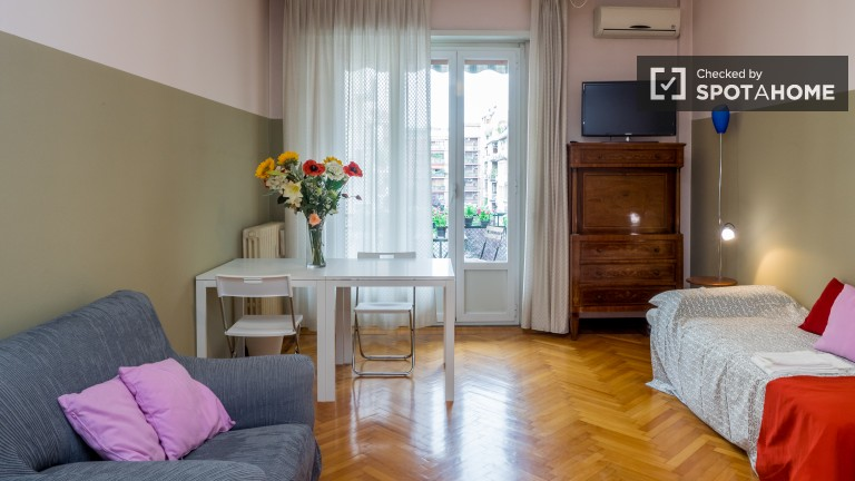 Remodeled room in apartment in Tortona, Milan