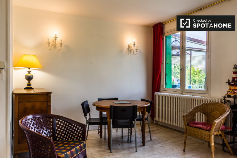 3-bedroom house with swimming pool for rent in Villeurbanne
