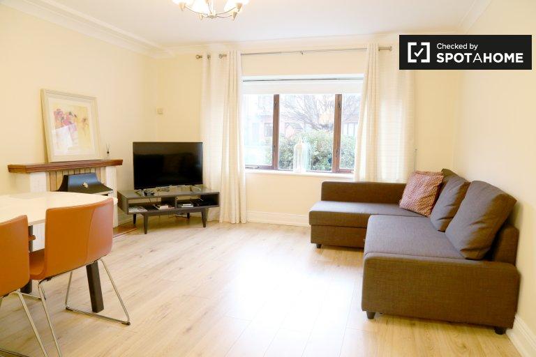 Charmantes Apartment mit 2 Schlafzimmern und Service zur Miete in The Libert