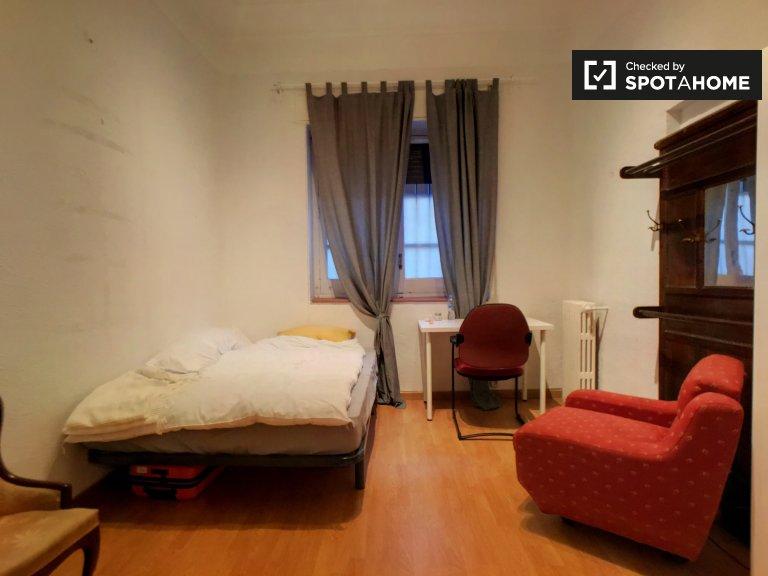 Geräumiges Zimmer zur Miete in Argüelles, Madrid