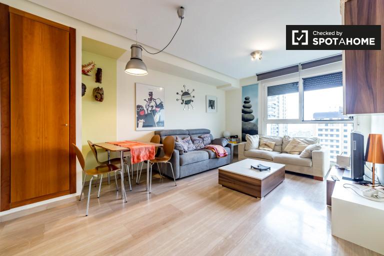 Apartamento moderno de 1 quarto para alugar em Benicalap