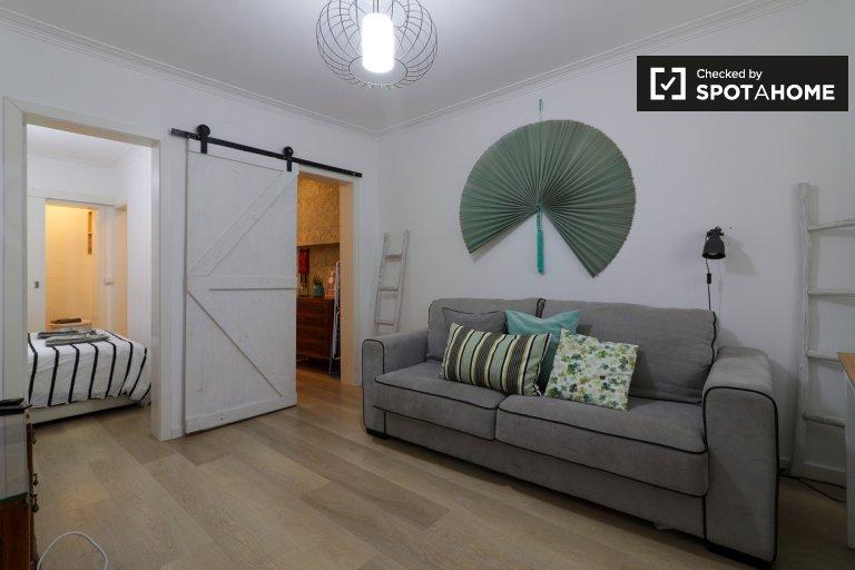 Helle 1-Zimmer-Wohnung zur Miete in Arroios, Lissabon