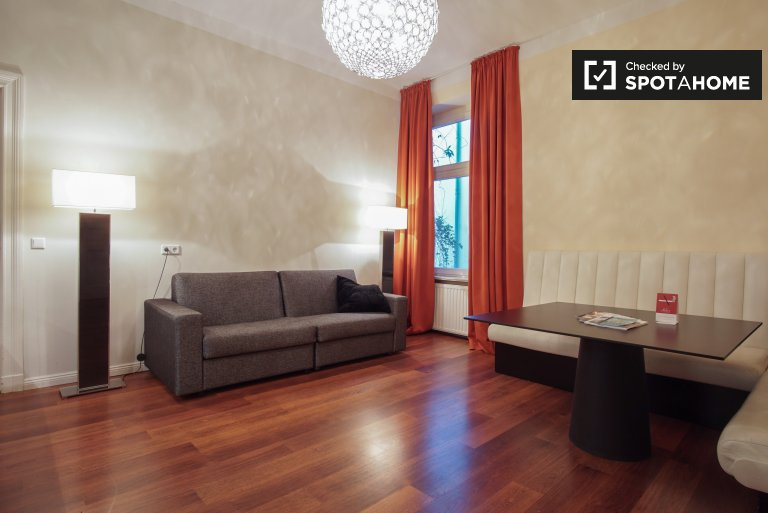 Cool 1-bedroom apartment for rent on the edge of Leise Park in Prenzlauer Berg