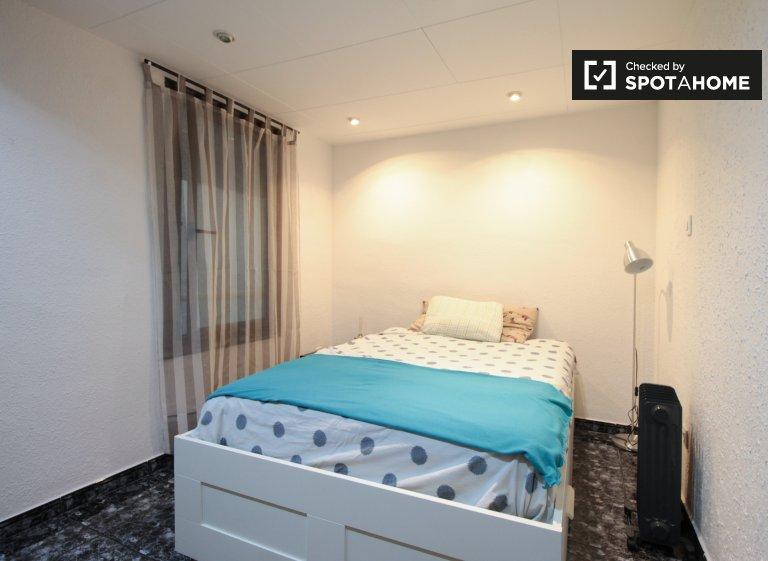 Bright room in 2-bedroom apartment in Poblenou, Barcelona