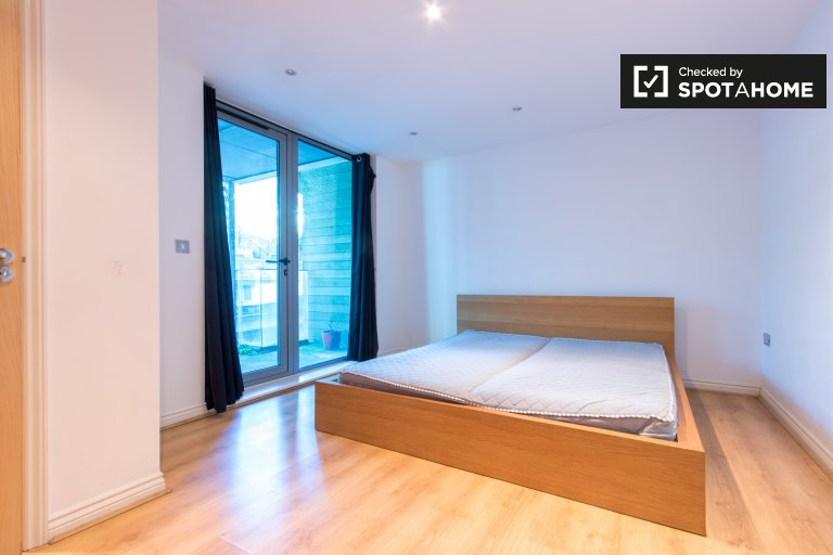 2-bedroom apartment available to rent in Camden, London