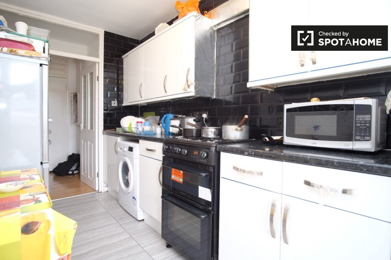 Charming 3-bedroom apartment for rent in Tower Hamlets