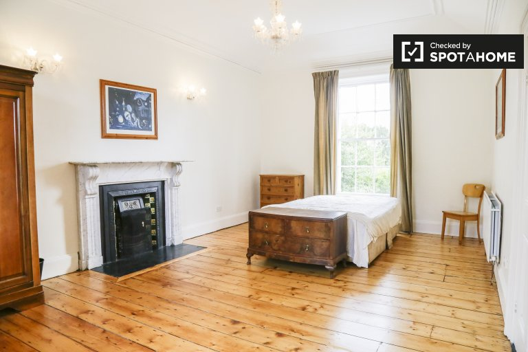 Gorgeous room to rent in Dún Laoghaire, Dublin