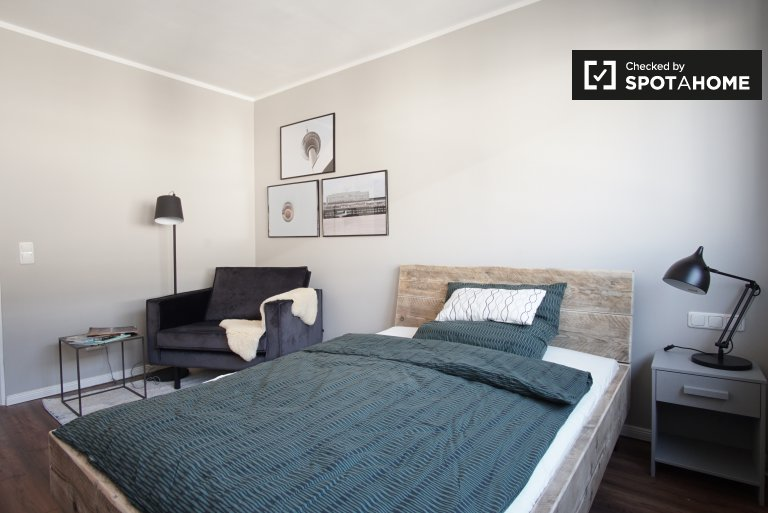 Stylish studio apartment for rent in Mitte, Berlin