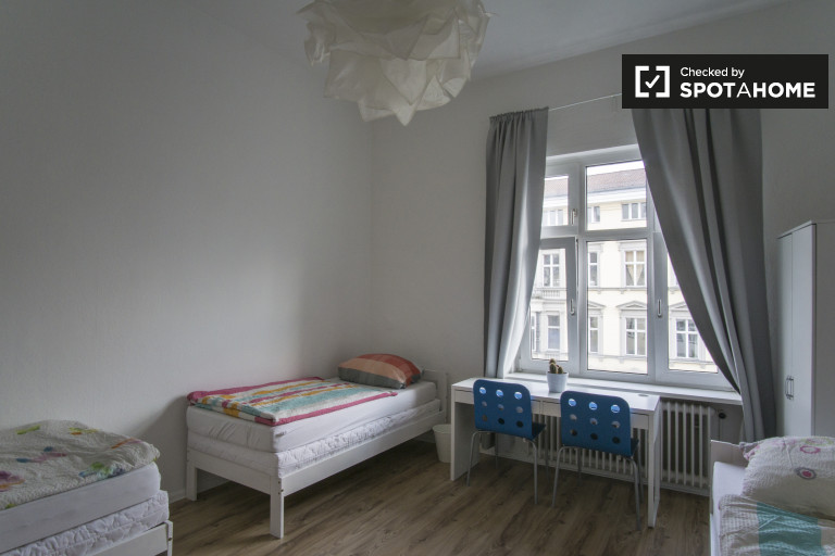 Modern shared room in apartment in Mitte