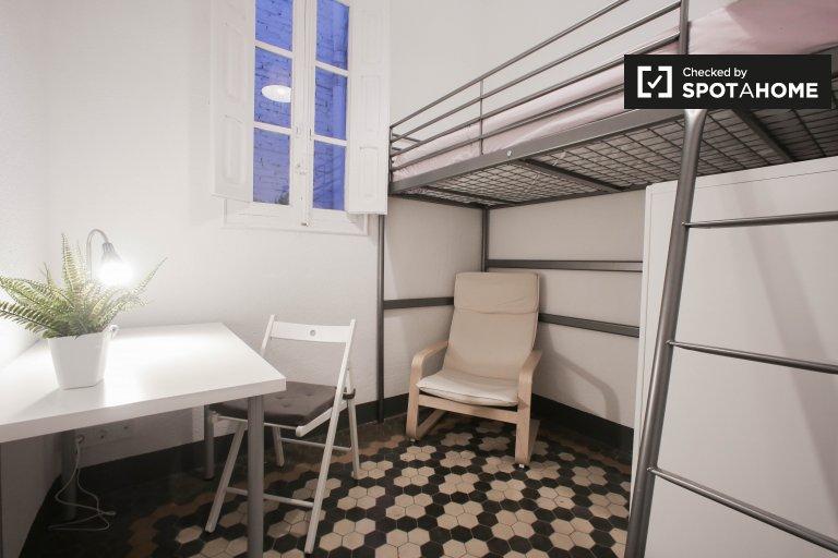 Quarto compacto em apartamento de 3 quartos em Extramurs, Valência