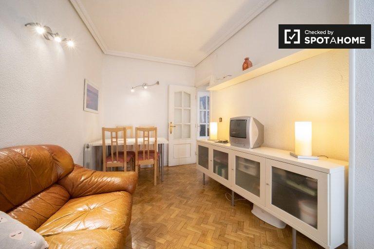 Zimmer zu vermieten in schöne 2-Zimmer-Wohnung in Aluche, Madrid