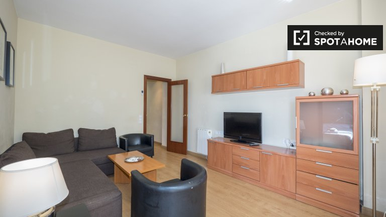 Fabulous 3-bedroom apartment for rent in Sants, Barcelona