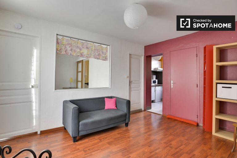 Pretty 1-bedroom apartment for rent in Montreuil