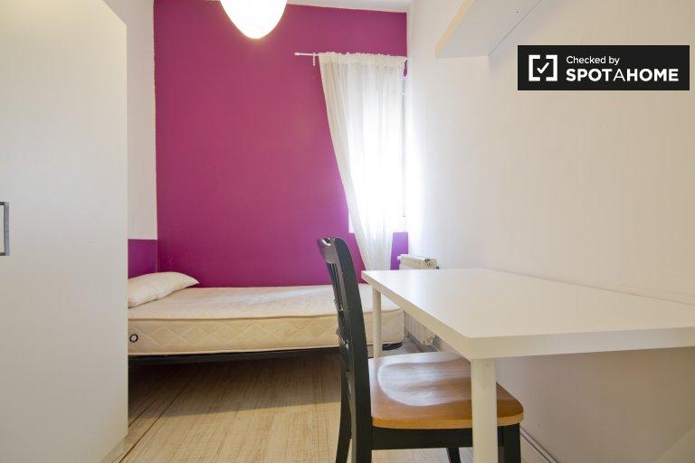 Beautiful room in apartment in Puerta del Ángel, Madrid