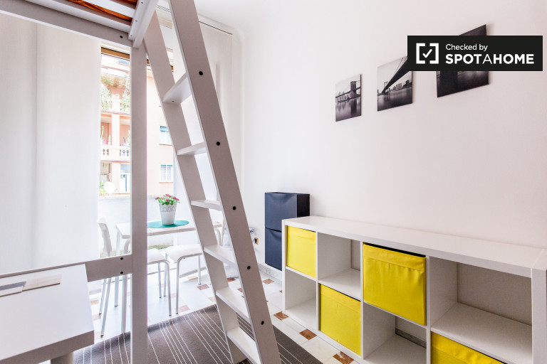 in Rooms for rent in a renovated 8-bedroom apartment in Trieste