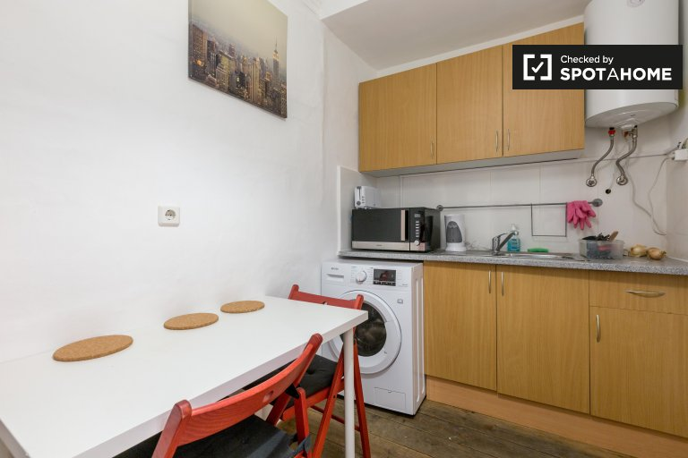 Klassische 1-Zimmer-Wohnung zur Miete in Bairro Alto