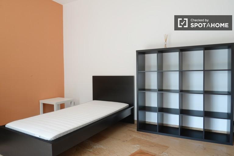Room 2 - Single bed
