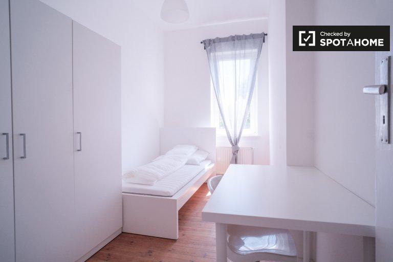 Lumineux appartement de 3 chambres près de Friedrichsbrunner Platz