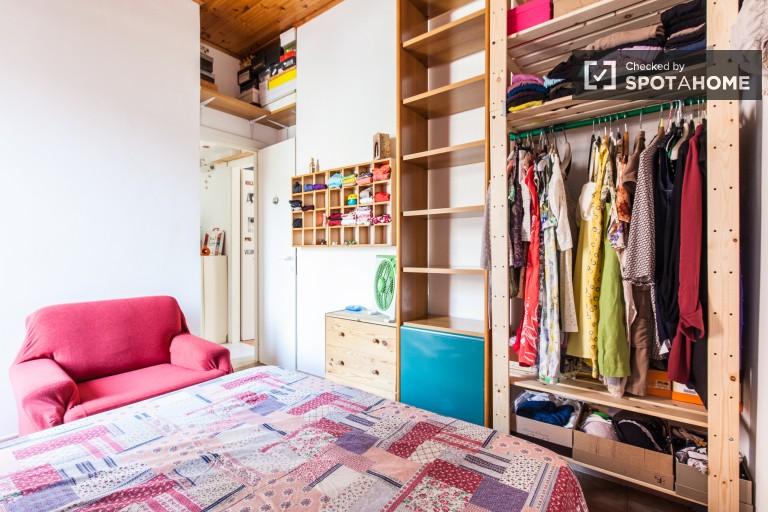 Double room in 4-bedroom apartment in Pigneto, Rome