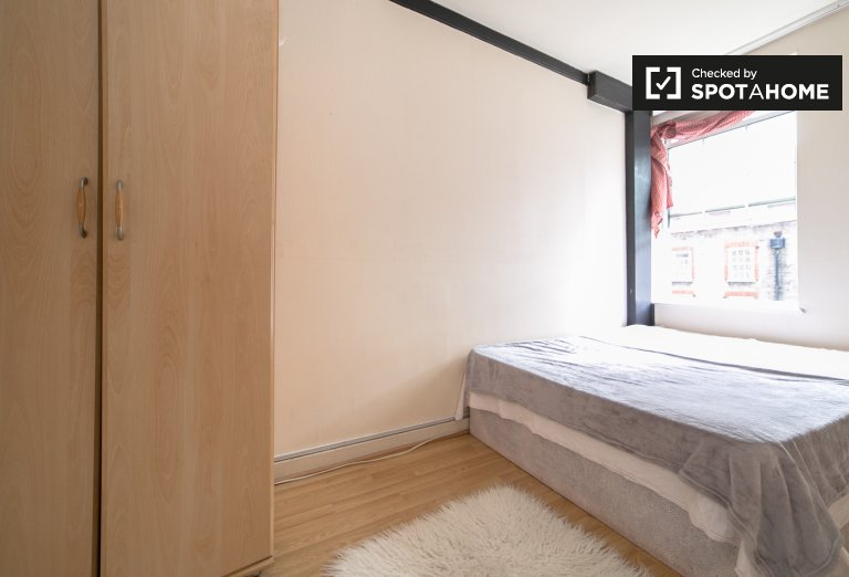 Double Bed in Room to rent in 2-storey 3-bedroom home in Kentish Town