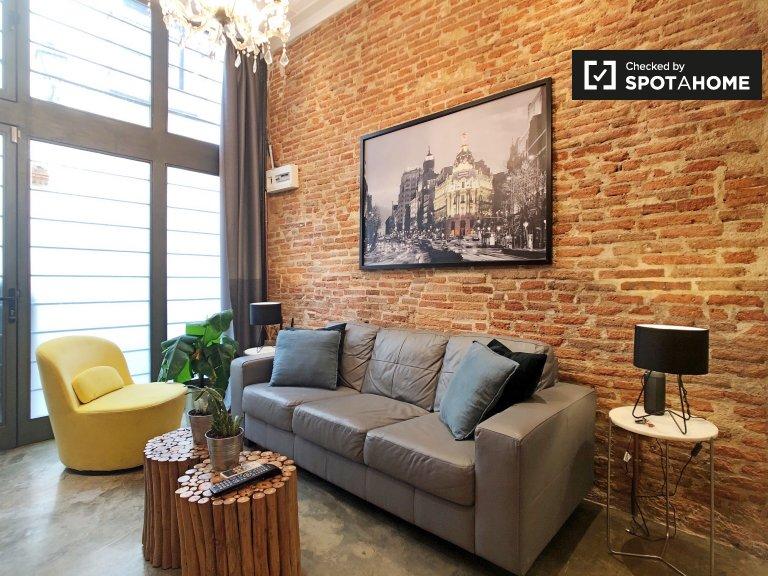 Stunning 2-bedroom apartment for rent in Lavapiés, Madrid